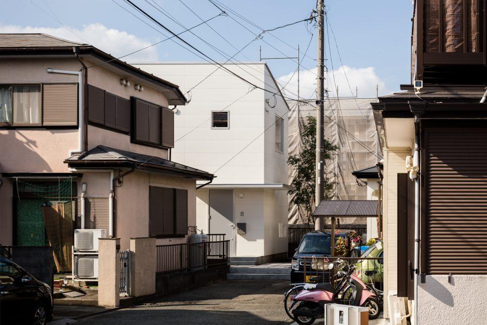 下鶴間の家